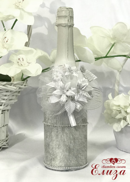 Украсено сватбено шампанско 10